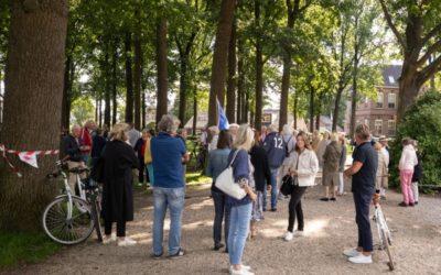 Actie Liberaal Laren tegen bomenkap op de Brink